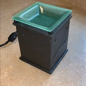 Scentsy slate warmer with removable glass plate.